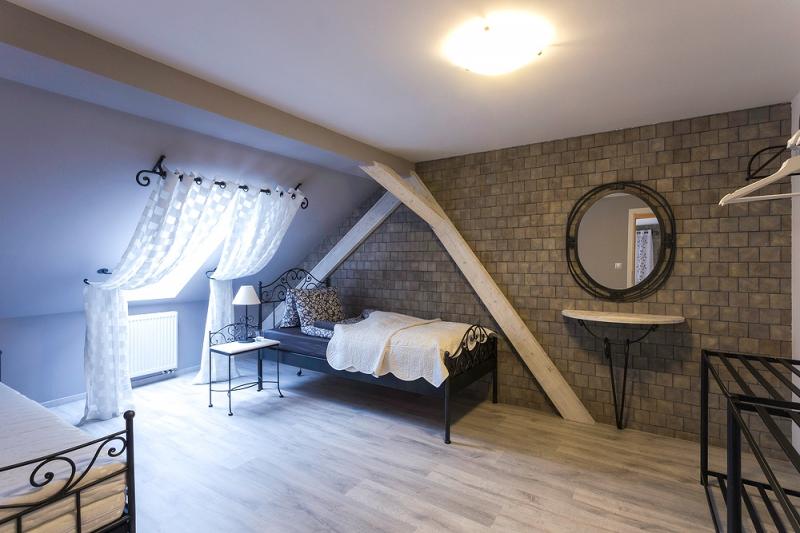 Hôtel Na Palube  Meubles en fer forgé  IRON ART  lits, chaises, tables, me -> Pose Télé En Fer Forgé