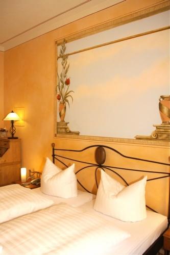 Hôtel Albergo Toscana, Allemagne  Meubles en fer forgé  IRON ART  lits, ch -> Pose Télé En Fer Forgé